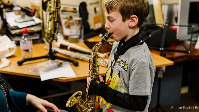 Music sax lesson